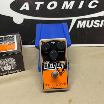 Electro-Harmonix OpAmp Big Muff Distortion Fuzz Pedal with Box