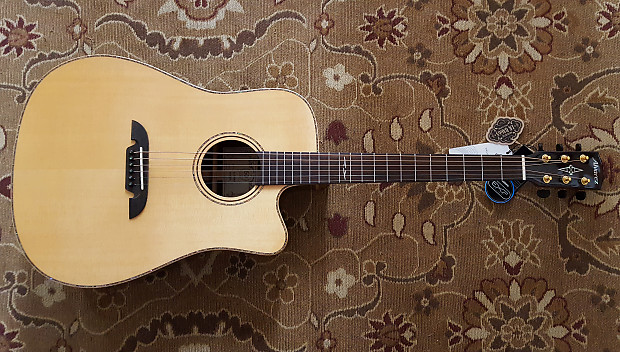 db1ce3aa00 Floor Model - Alvarez Masterworks MDA70CE Acoustic Electric Dreadnought  with Case and Pro Setup!