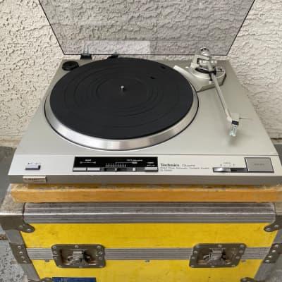 Vintage Technics SL-QX300  Stereo Turntable 1982