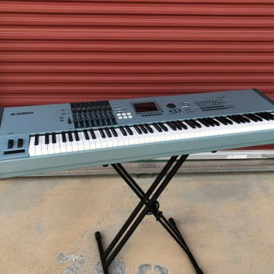 Yamaha Motif XS8 Music Production Synthesizer - pre-owned 88-note keyboard