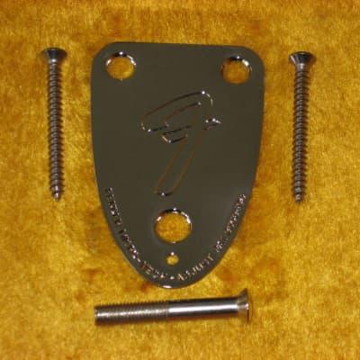 Fender 005-4525-049 '70s Guitar 3-Bolt Neck Plate