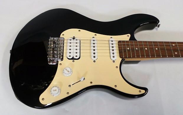 Yamaha Eg112c Black White 6 String Electric Guitar With Reverb