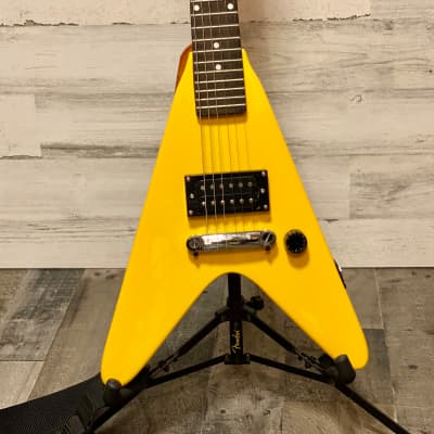 Rare Yellow Maestro by Gibson Roadie Mini Flying V for sale