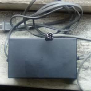 Kurzweil  PC2, PC2x and PC2R Power Supply. Kurzweil  PM0025-001 Compatible.