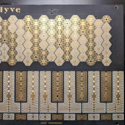 Skot Wiedmann Hyve Touch Synthesizer 2017 Gold/Black
