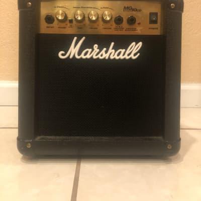 Marshall MG10CD (40 watts)