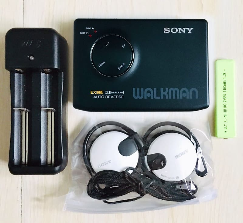 Sony WM 600 Walkman Cassette Player, High End Model, Excellent Shape  Working !!