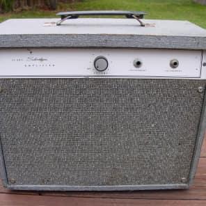 Silvertone Model 1470 5-Watt 1x8 Guitar Combo
