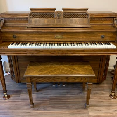 Lowrey Console 1980 Pecan