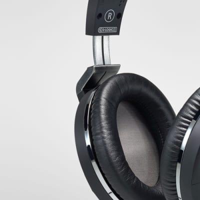 Ultrasone Performance 840 stereo closed back headphones