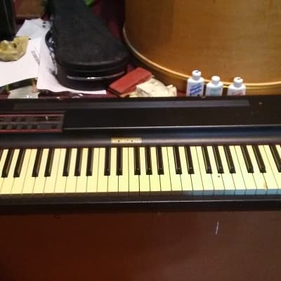 Ensoniq SDP-1 piano, string, marimba, vibe with case. $90 Local Pick up only.