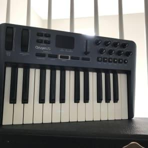 M-Audio Oxygen 25 Mk3 USB MIDI Keyboard Controller
