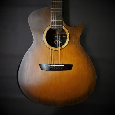 Oddities Guitars Om 2020