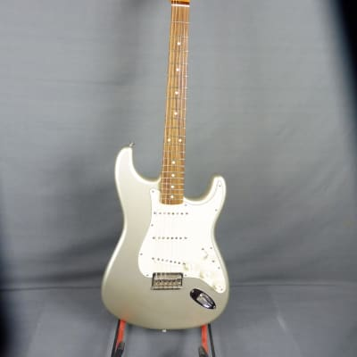 Fender  Robert Cray Stratocaster  2011 Inca Silver for sale
