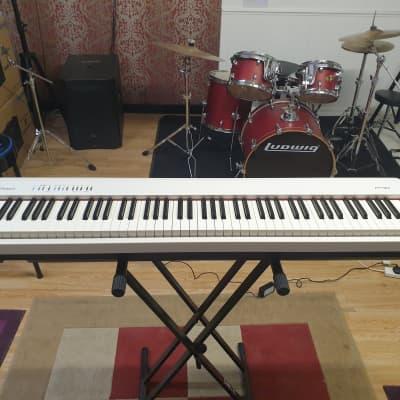 Roland FP-30 88-Key Digital Portable Piano in White, ex-demo Roland UK, full 1 yr warranty