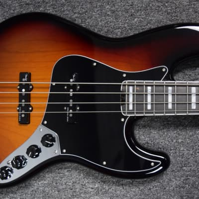 Fender American Elite Jazz Bass 3-Tone Sunburst / Rosewood B-Stock = Save $50! *NOT Pre-Owned