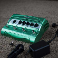 Line 6 DL4 Delay Modeler with Line 6 Power Adapter