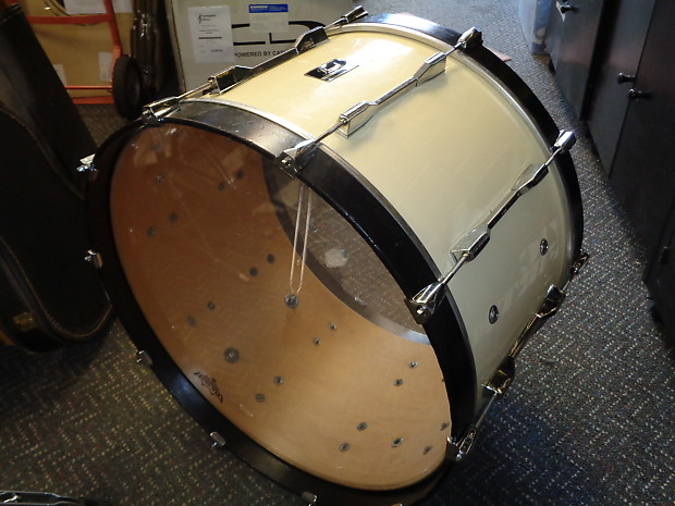 used pearl 24 marching bass drum new heads reverb. Black Bedroom Furniture Sets. Home Design Ideas