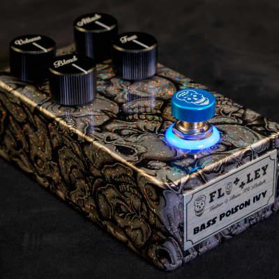Bass Poison Ivy - Fuzz & Blue Halo Light Ring