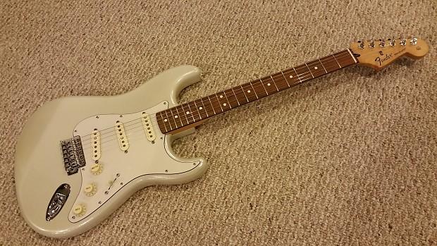 Upgraded Fender Standard Strat, Noiseless pickups, Clapton Mid-Boost &  TonePros