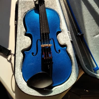 used Harlequin by Stentor 3/4 Violin Outfit with Sparkle Blue Finish