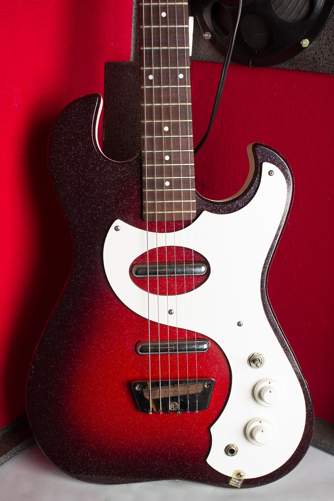 Silvertone Model 1457 Amp-In-Case Semi-Hollow Body Electric Guitar,  made by Danelectro,  c. 1964.