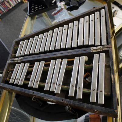 "Deagan Antique Deagan Model No N21120 2 1/2 octave ""Roundtop"" Orchestral Bells Chimes Silver"