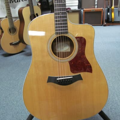 Taylor 2016 210CE Acoustic Electric with Taylor Gig Bag