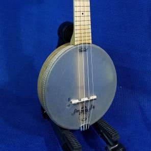 Mims Ukes: Concert Magic Fluke Firefly Banjolele Maple with Pickup Banjo Ukulele with Bag 634