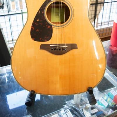 Yamaha FG820L Folk Acoustic Guitar with Solid Spruce Top LeftHanded - Floor Model