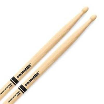 ProMark Classic Forward 2B Hickory, Oval Wood Tip Drumstick