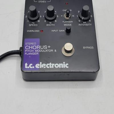 T.C. Electronic Stereo Chorus + Pitch Modulator & Flanger Guitar Effects Pedal SCF