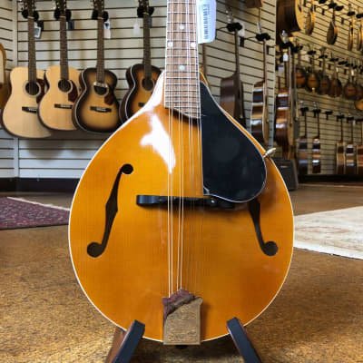 Kentucky KM-252 Deluxe A-Style Spruce/Maple Mandolin Transparent Amber w/Padded Gig Bag for sale