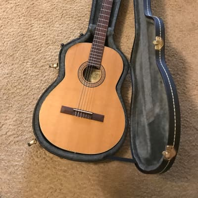 LA PATRIE ETUDE QUANTUM EQ CLASSICAL ELECTRIC GUITAR MINT CONDITION WITH HARD CASE AND OWNERS MANUAL for sale