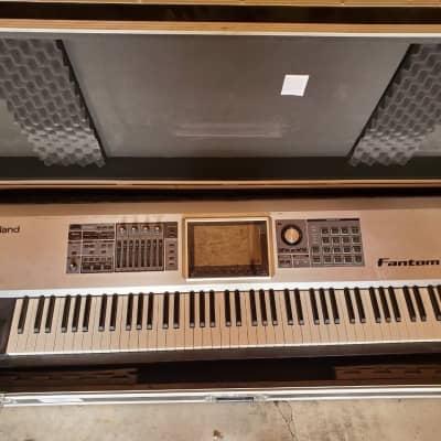 Roland Fantom-G8 88-Key Workstation Keyboard