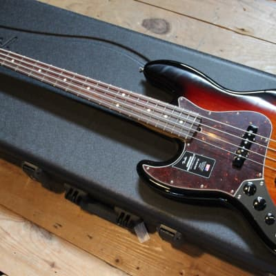 Fender American Professional II Jazz Bass Left-Handed 3-Color Sunburst