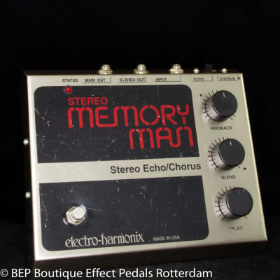 Electro-Harmonix Stereo Memory Man 90's re-issue with MN3005 BBD