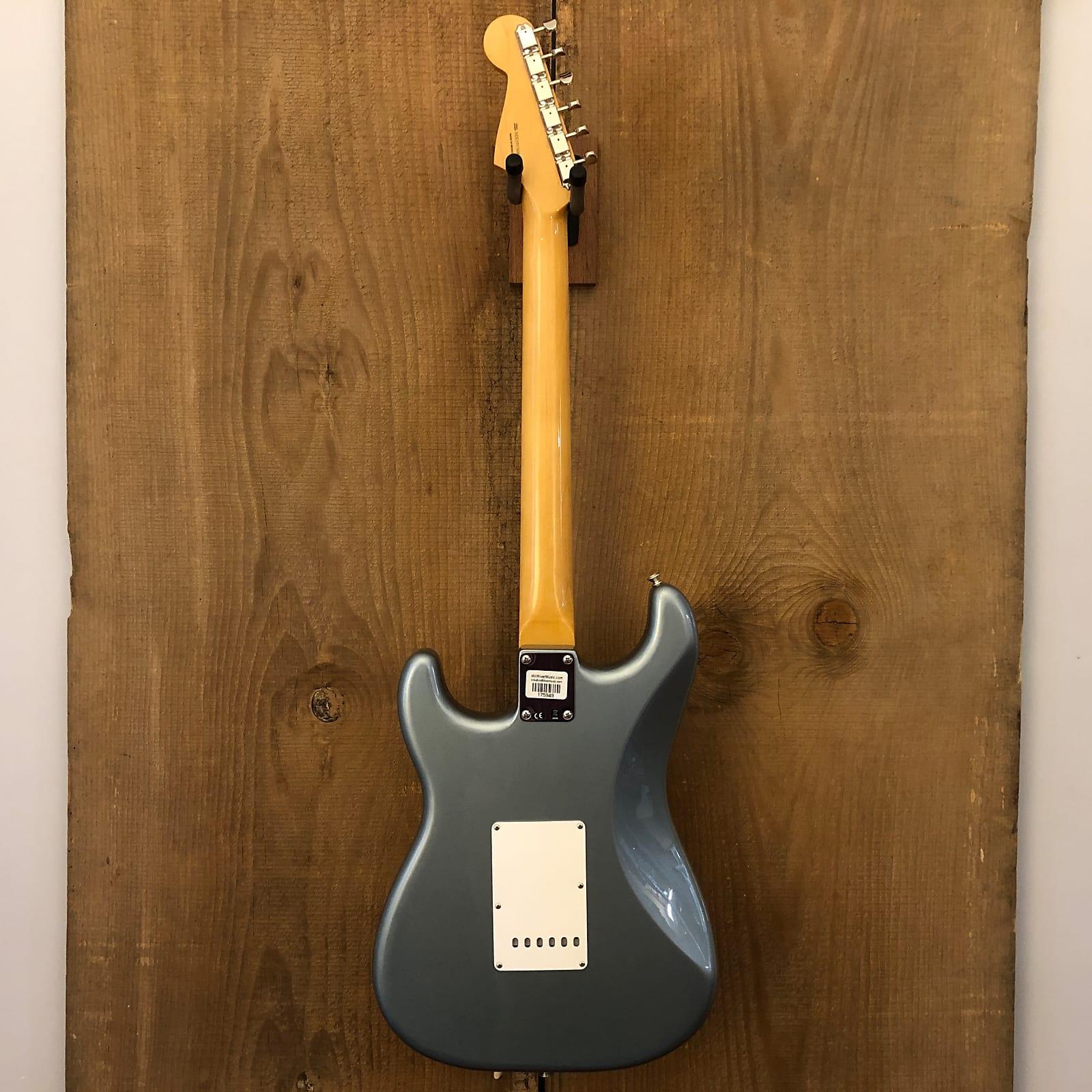 Fender Vintera '60s Stratocaster MIM Ice Blue Metallic 2019 w/ Gig Bag Mexico