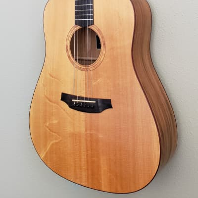 Cordoba  Acero D11 - Solid Bear Claw Sitka Top/Solid Acacia Back & Sides w/Case for sale