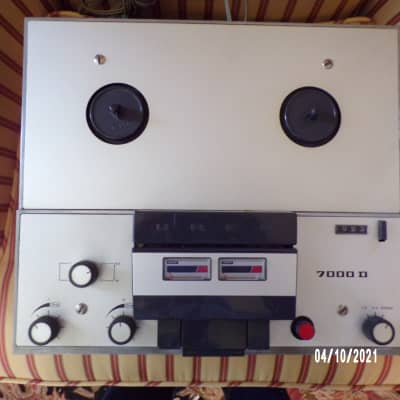 Vintage Uher 7000D Reel to Reel Tape Recorder (made in W. Germany) With Original Dust Cover