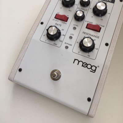 Moog MoogerFooger MF-103 12-Stage Phaser WHITE