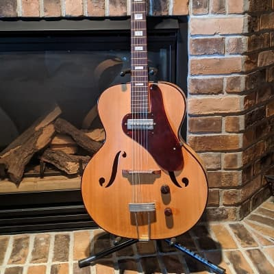 Silvertone 1350 1940s Natural Harmony H58 Hollowbody/ Archtop with Geib Case