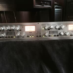 dbx 576 Vacuum Tube Preamplifier and Compressor