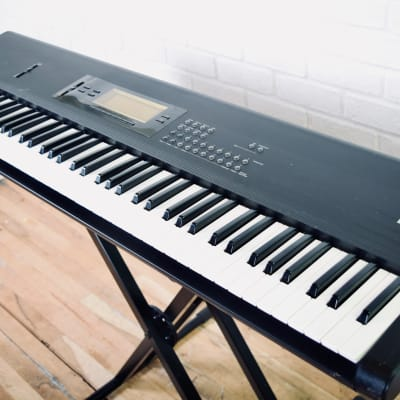 Korg EX T2 workstation keyboard synthesizer in very good condition