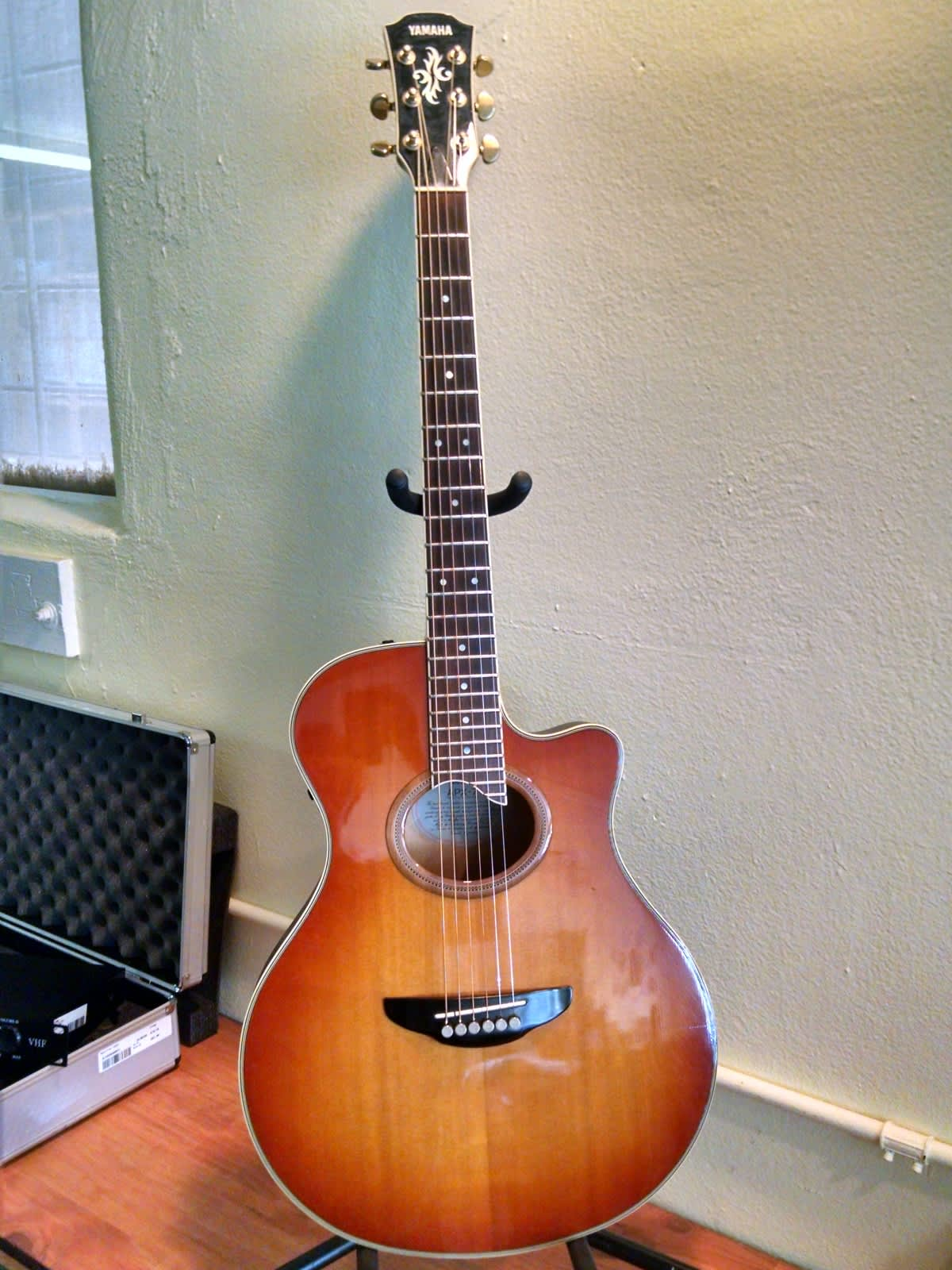 Yamaha acoustic electric guitar model apx 7 reverb for Apx guitar yamaha