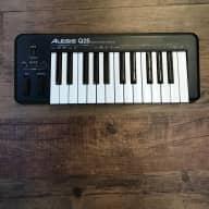 Alesis Q25 25-Note USB/MIDI Keyboard Controller