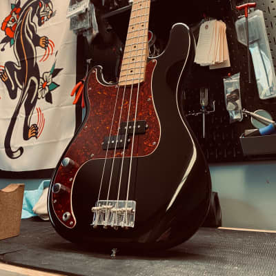 Fender Left-Handed Precision Bass Great Condition