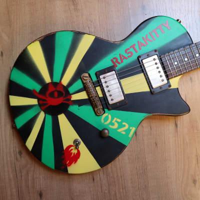 Custom Painted Slick Guitars SL52 Skullcat Qnstang Rastakitty Punkrock Reagge Stencil Style