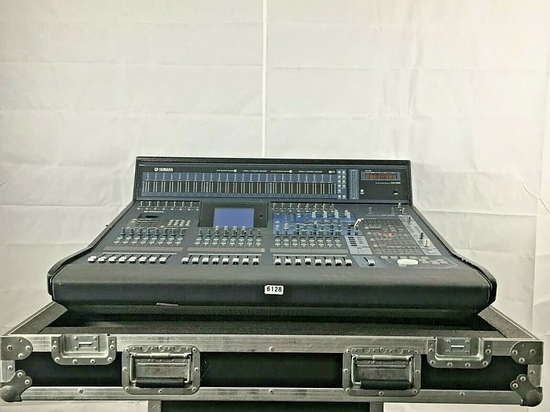 yamaha dm2000 digital mixing console with meter bridge and reverb. Black Bedroom Furniture Sets. Home Design Ideas