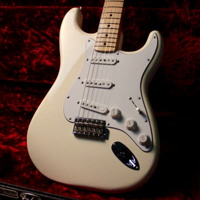 fender stratocaster player series  2017 cream white for sale